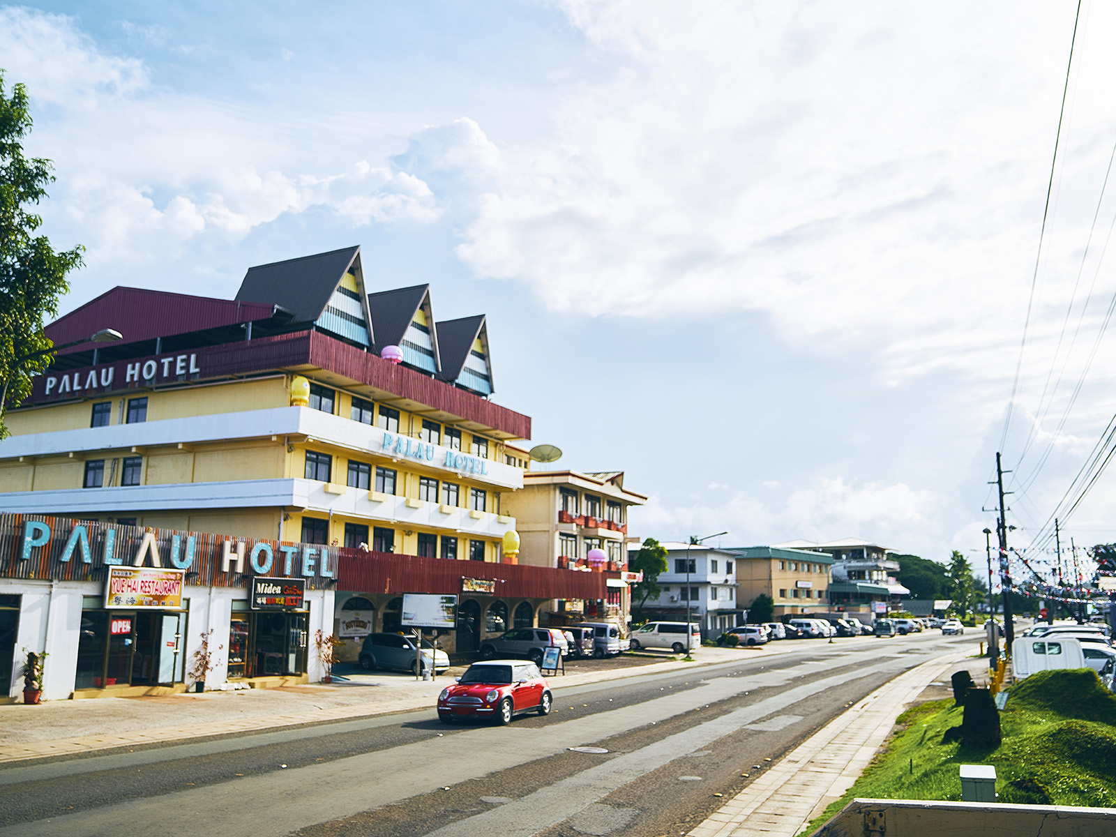 コロール島の観光ガイド|パラオ中心地の名所・レストラン・ホテル情報