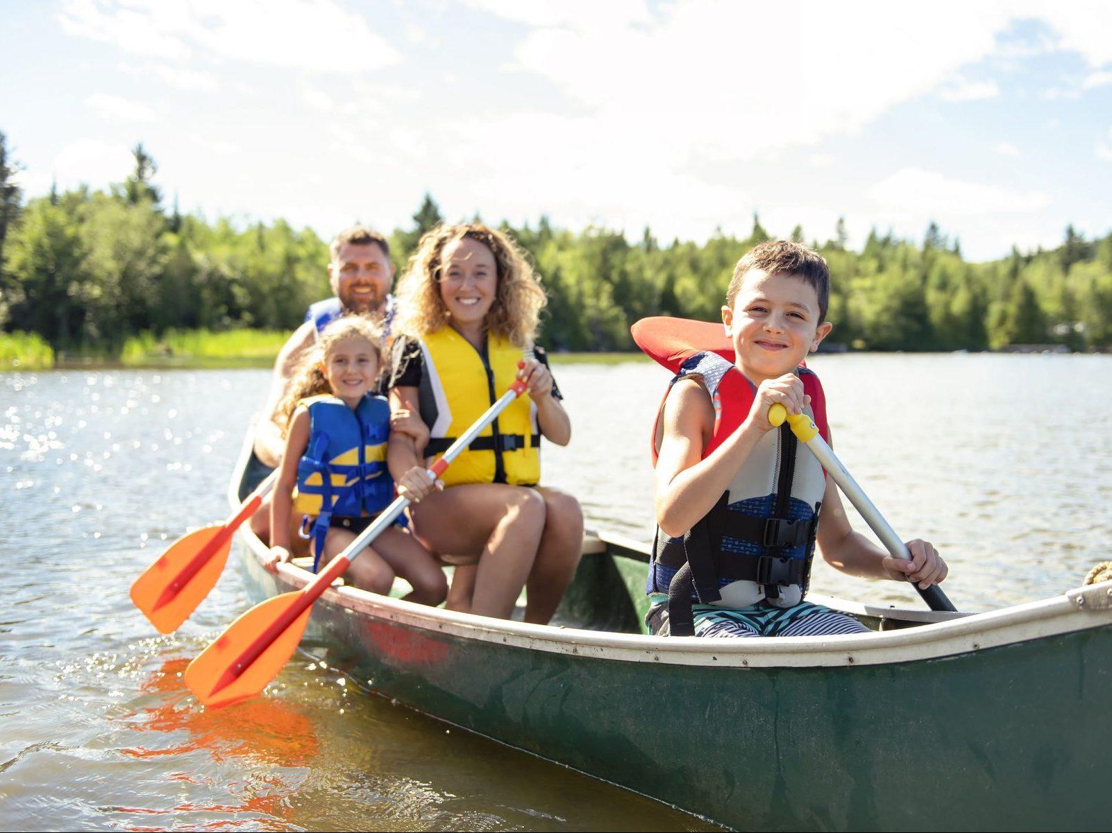 カヌーやカヤックは初心者でも楽しめる!おすすめの体験ツアーを紹介